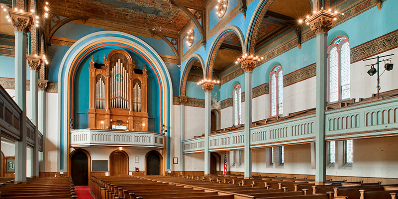 11_Newport-Cong_View-to-organ-loft-from-santuary-1